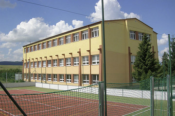 Primary school and kindergarten Šarišské Jastrabie